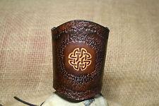 Lederarmband Keltischer Knoten geprägt punziert breit Leder braun Kelten Stulpe