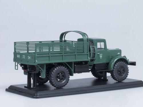 Maquette Camion 1/43 MAZ-502A 4x4 À Avec Arches Sous Le Auvent