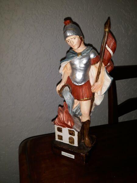 -50% Statua S. Floriano San Floriano H 24 Cm. In Resina Finemente Dipinta A Mano Prendiamo I Clienti Come Nostri Dei