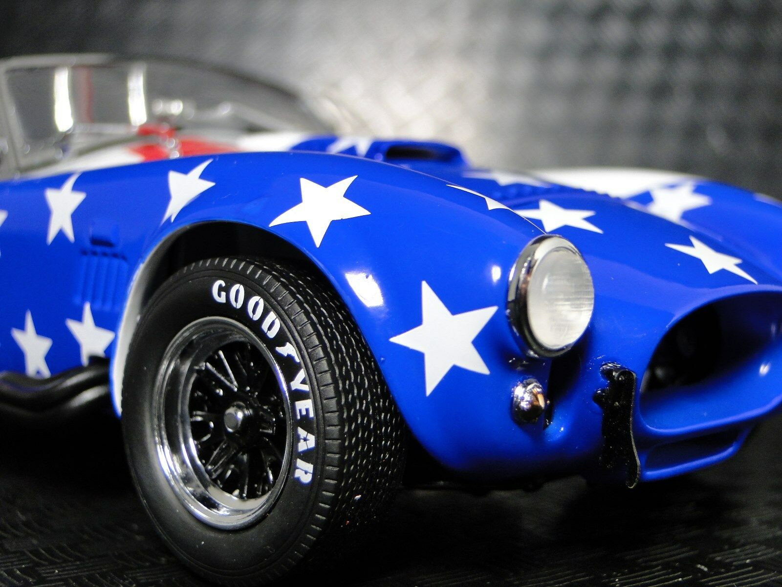 A 1966 Ford Cobra Shelby Race Car 1 1 1 24 Sport 40 GT 12 Vintage 18 T 43 Model 64 68312c