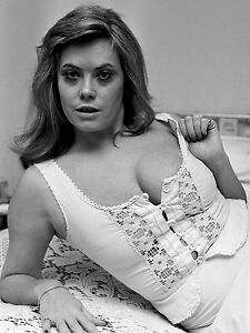 Wendy-Richards-Eastenders-Sexy-Retro-Risque-Monocromatico-Poster