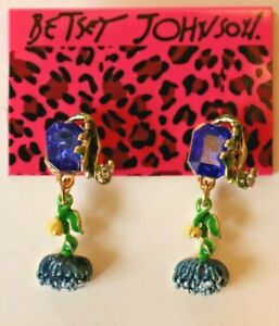 Betsey-Johnson-Crystal-Rhinestone-Enamel-Flower-Post-Earrings