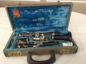 Vintage Student Conn Clarinet With Carrying Case