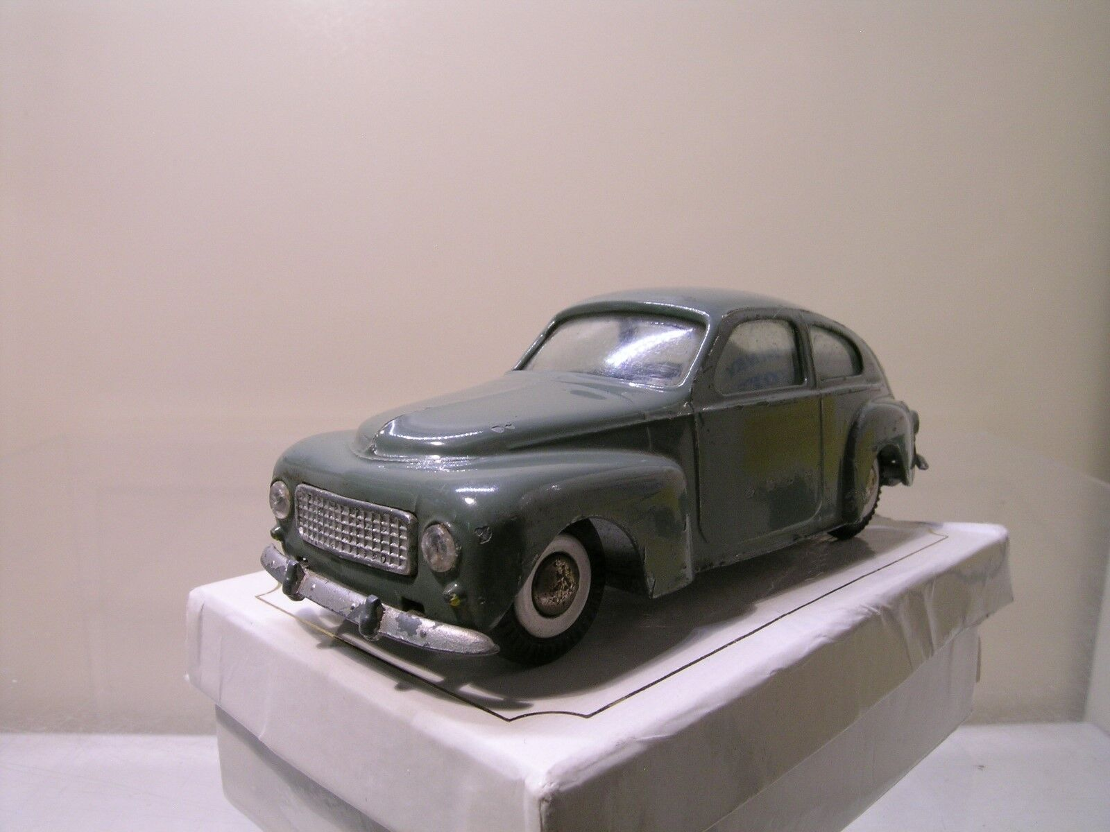 TEKNO DENMARK No. 822 151 VOLVO PV544 1959 gris COLOUR SCALE 1 43