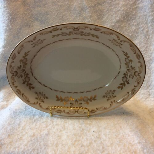 Harmony House Classique Gold #3672 Oval Vegetable or Serving Bowl Made in Japan