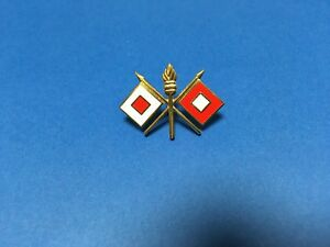 US-ARMY-SIGNAL-CORPS-HAT-LAPEL-PIN