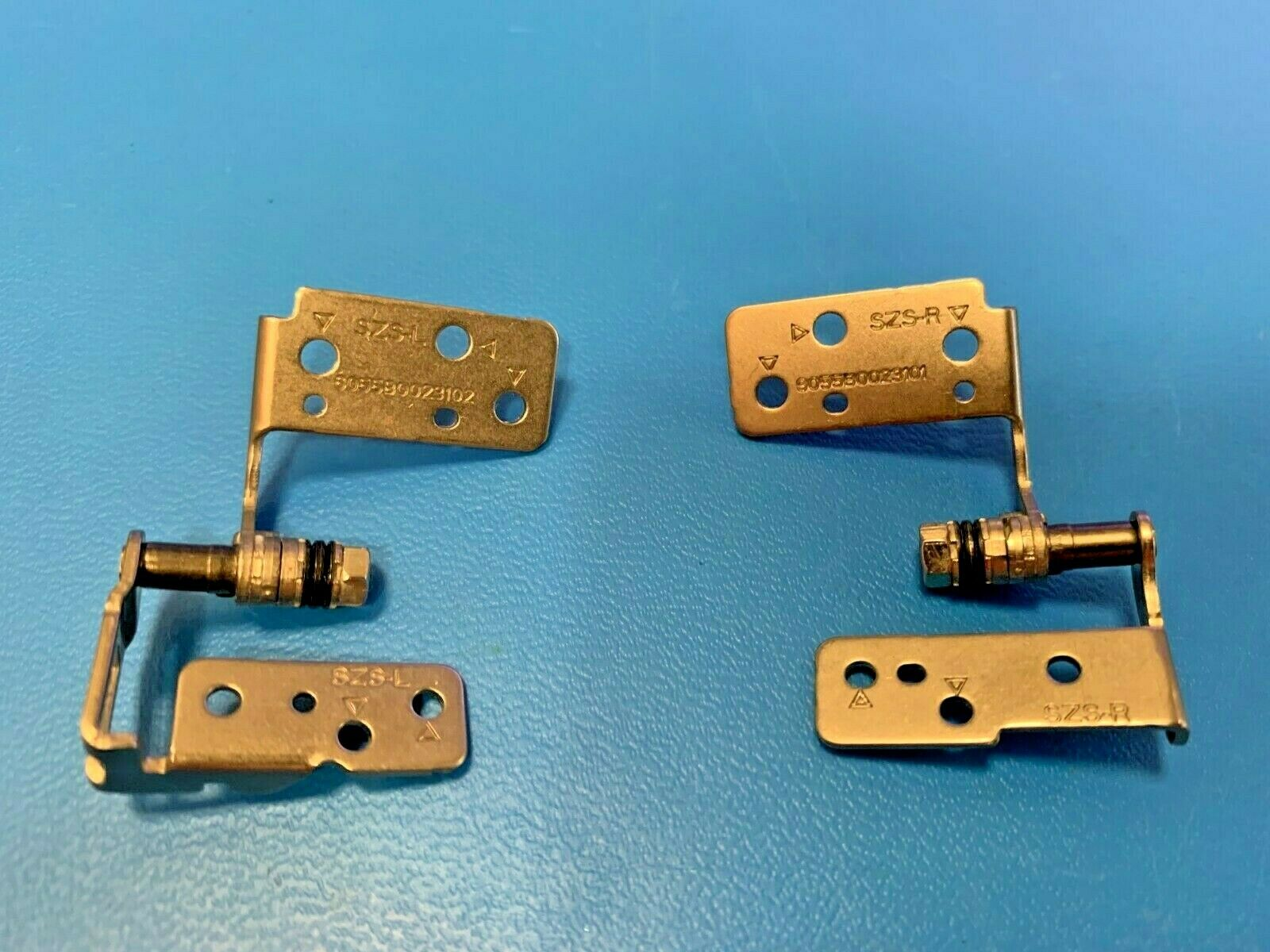 Fujitsu Lifebook UH572 Hinge set (Left and Right) CP574638-XX Brand New