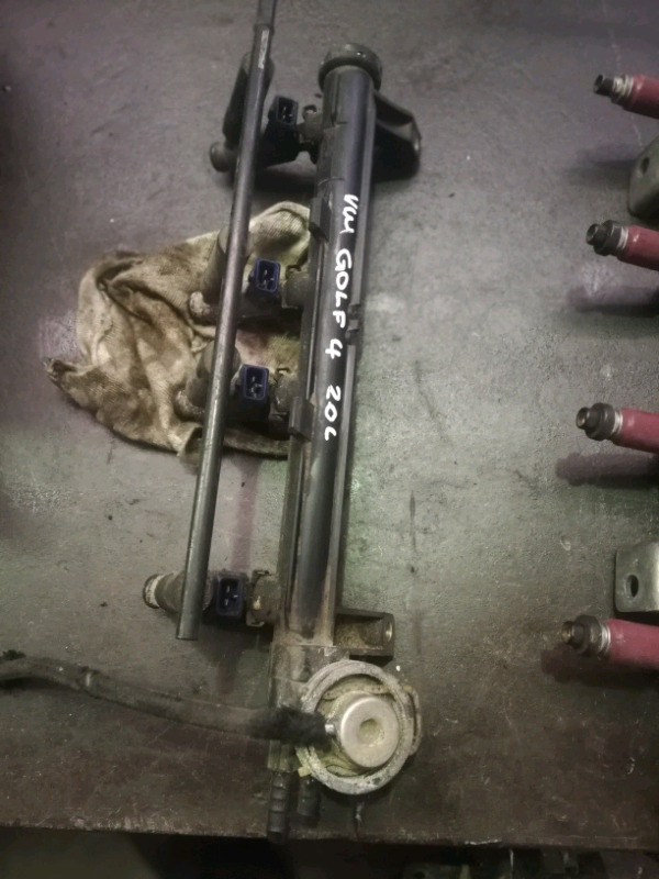 VW GOLF 4 INJECTOR RAIL COMPLETE