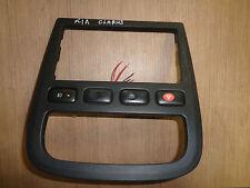 Kia Clarus 0K9A055210 Schalter Bedienteil Mittelkonsole Warnblinker Blende