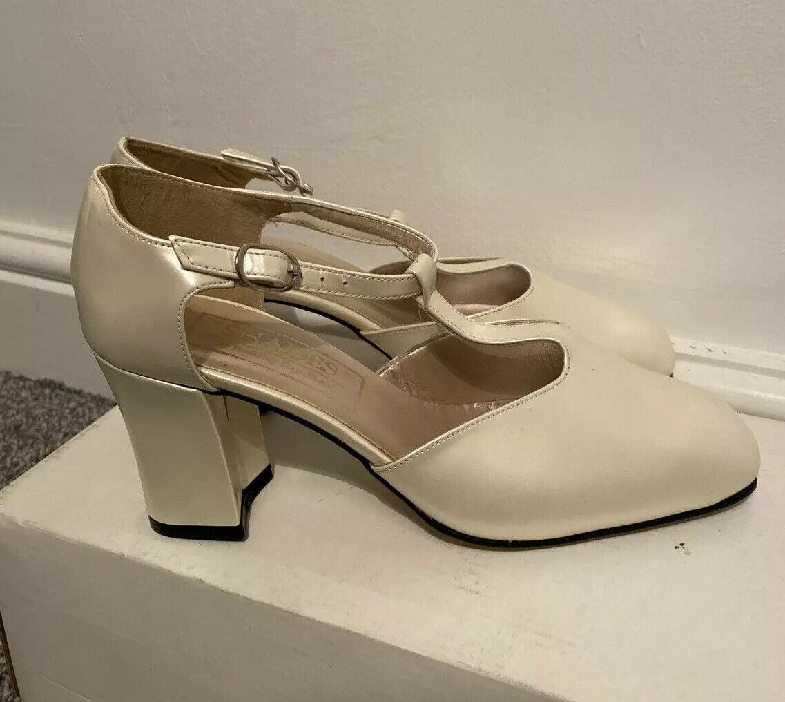 Size 4 Shades Wedding day shoes