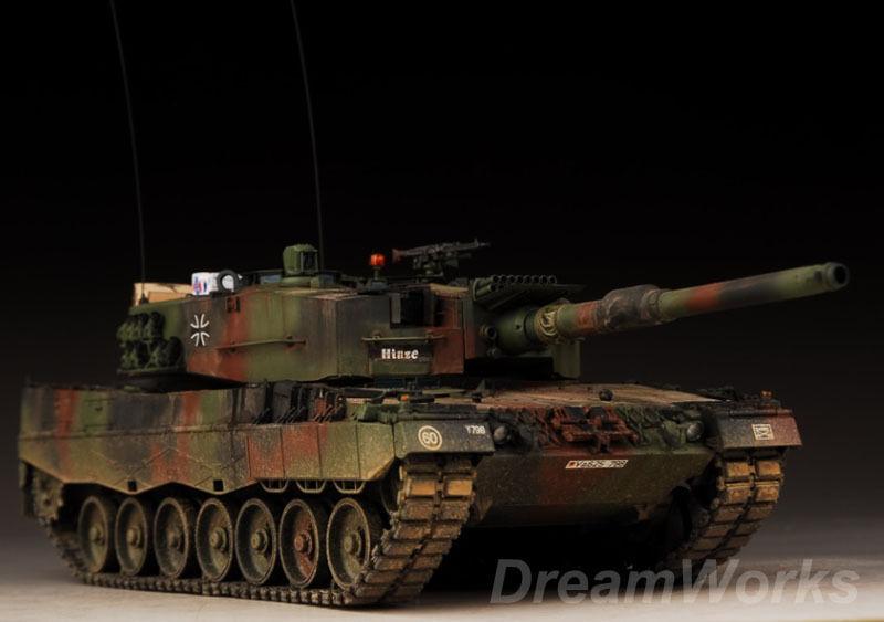 Award Winner Built Meng 1 35 Leopard 2A4 GERMAN MAIN BATTLE TANK +PE Clear