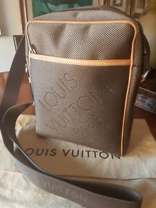 prezzo competitivo 070f6 6945f Dettagli su Tracolla uomo LOUIS VUITTON