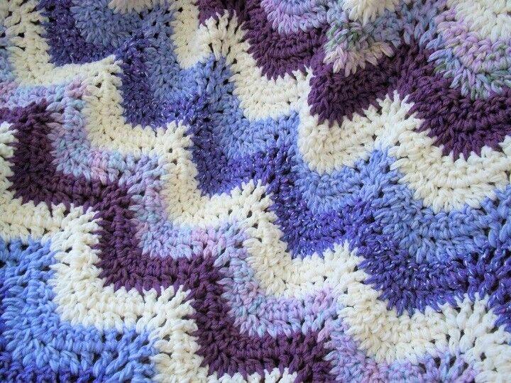 NEW  TWEED FAN RIPPLE purple cream Crochet Afghan Blanket 46 x 68 BEAUTY