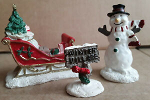 RARE LEMAX VILLAGE SET SNOWMAN, SLEIGH WITH PRESENTS, WINTER VILLAGE SIGN, EUC