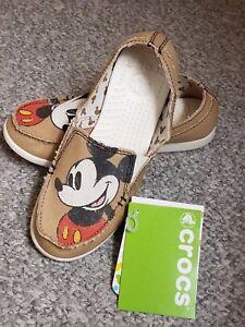 23dbb2ecf7 BNWT Women's Crocs Melbourne Mickey Disney Slip-On Khaki Loafers ...