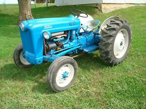 1953-Ford-Golden-Jubilee-NAA-Tractor