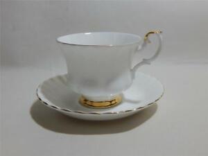 Royal Albert Val D'Or Porcelana Fina Taza de Té Y Platillo de Primera Calidad