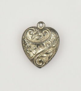 Vintage-Sterling-Silver-Puffy-Heart-I-LOVE-U-Charm-Non-Engraved