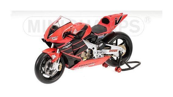Minichamps Honda RC211V 2001 1 12   V  Valentino Rossi (ITA) Summer Test Bike
