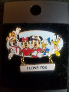 Disney-pin-FAB-5-I-LOVE-YOU-CRUISE-OUTFITS-dangle-donald-micket-pluto-k22