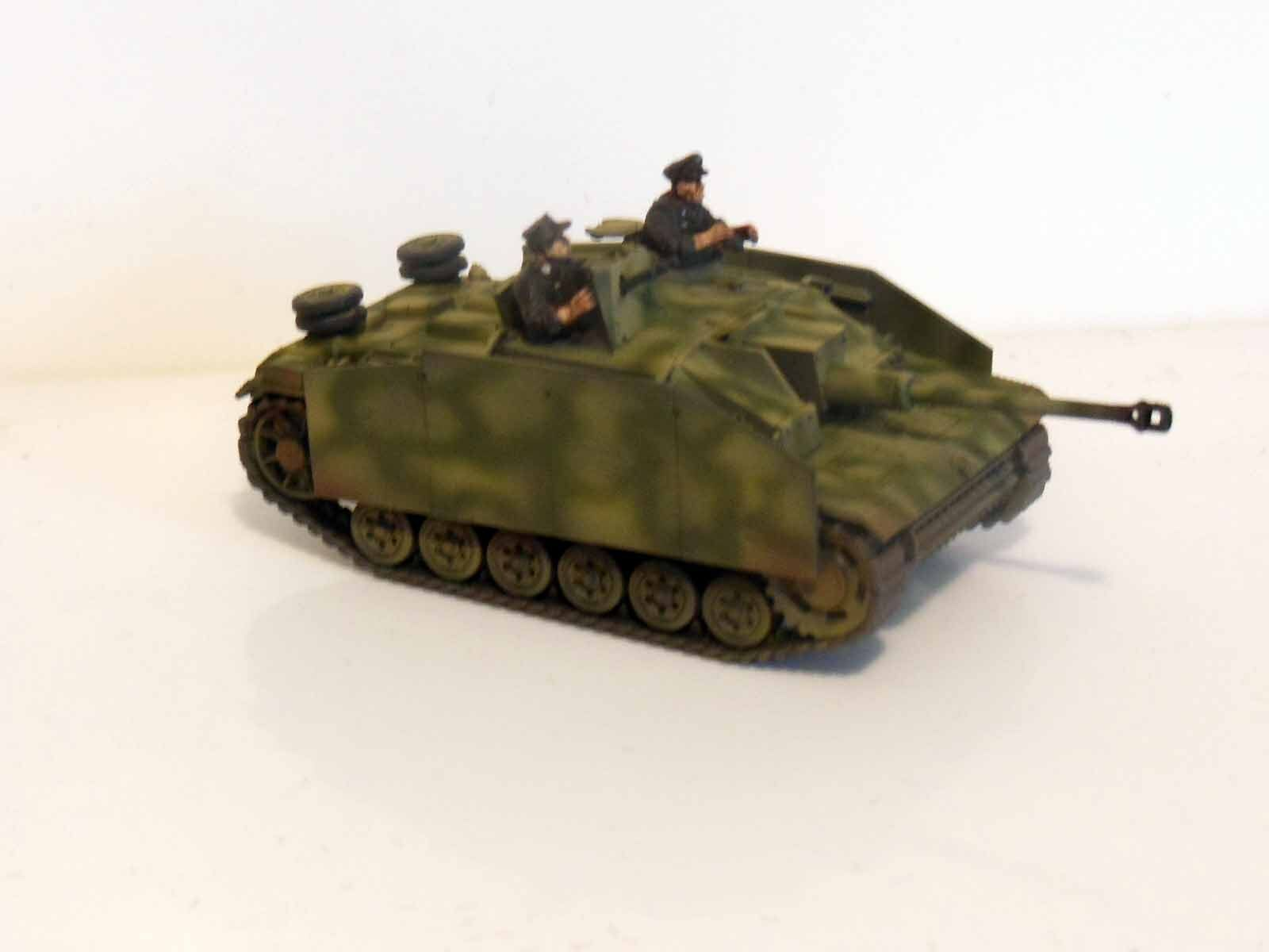 28mm Bolt Action Chain Of Command German STUG With Crew - Painted & Weathered