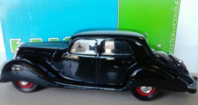 ELIGOR 1:43 AUTO DIE METTANT EN VEDETTE DE PANHARD DYNAMIC BERLINES 1937 NOIR