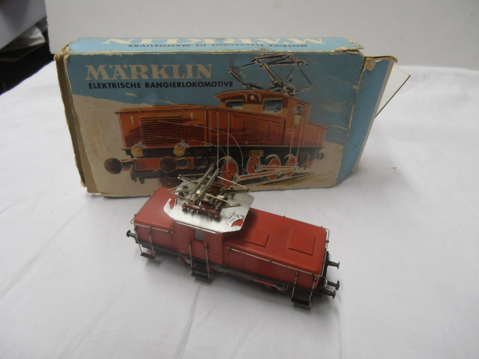 TRAIN LOCOMOTIVE MARKLIN E 6302