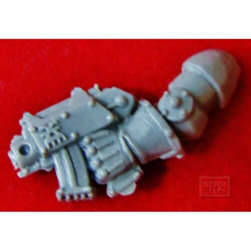 Chaos Berserker Left Arm Bolt Pistol Warhammer 40k BERZERKER Marine bits  A198