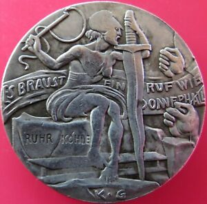 1923-KARL-GOETZ-SATIRICAL-MEDAL-034-THE-ROBBERS-COURT-034-GERMAN-HOBO-PROPOGANDA-COIN