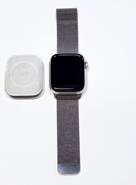 Apple Watch Series 5 40mm Case With Milanese Loop Stainless Steel Gps Cellular Mwwt2ll A For Sale Online Ebay