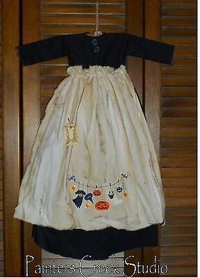 Primitive Wall Decor Dress BLACK W/ APRON Witch, JackOLantern, Ghost, HALLOWEEN