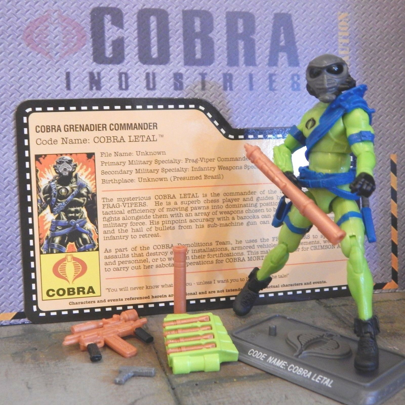 Gi Joe  2013 cobra letal  Night Force  comp & Tarjeta   fuego nocturna Joecon