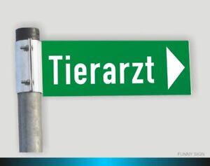 Wegweiser-Firmenschild-Strassenschild-Hinweisschild-Strassennamenschild