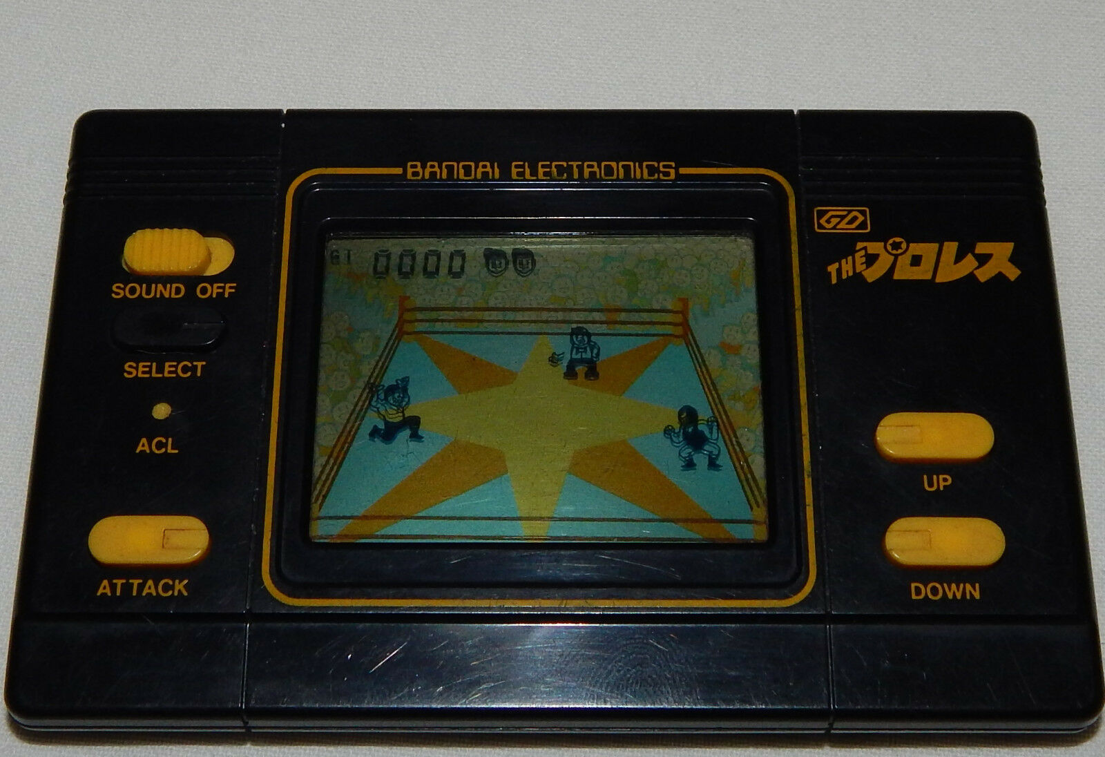 VINTAGE WRESTLING LCD HANDHELD GAME BY BANDAI ELECTRONICS