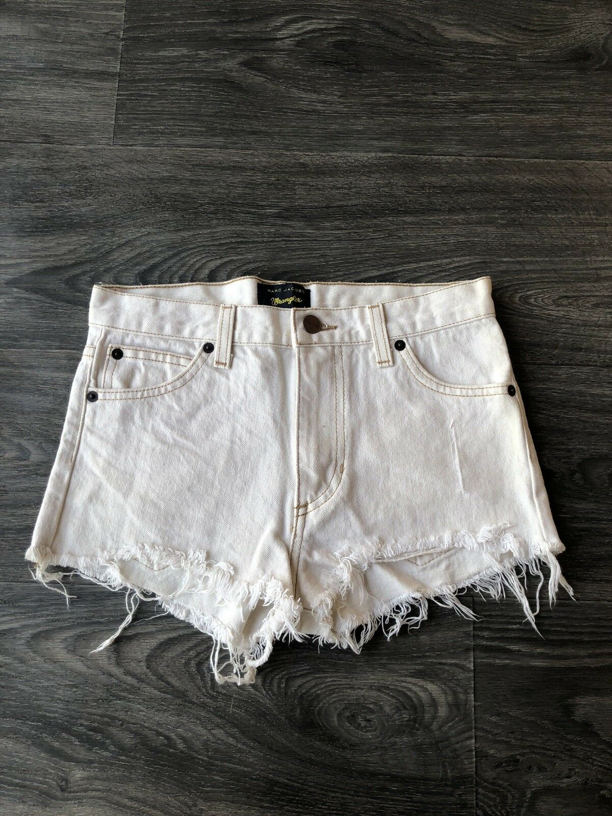 Marc Jacobs Wrangler Women's Denim Mini Shorts Ivory White Wash Size 0
