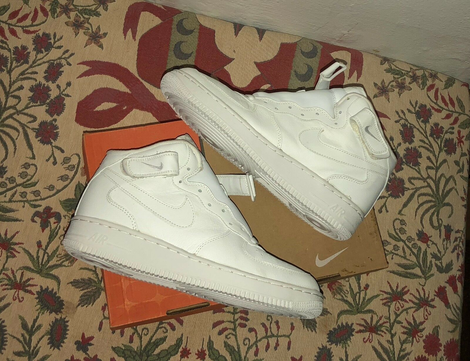 Nike Air Force 1 Mid 2002 White Size 10 New