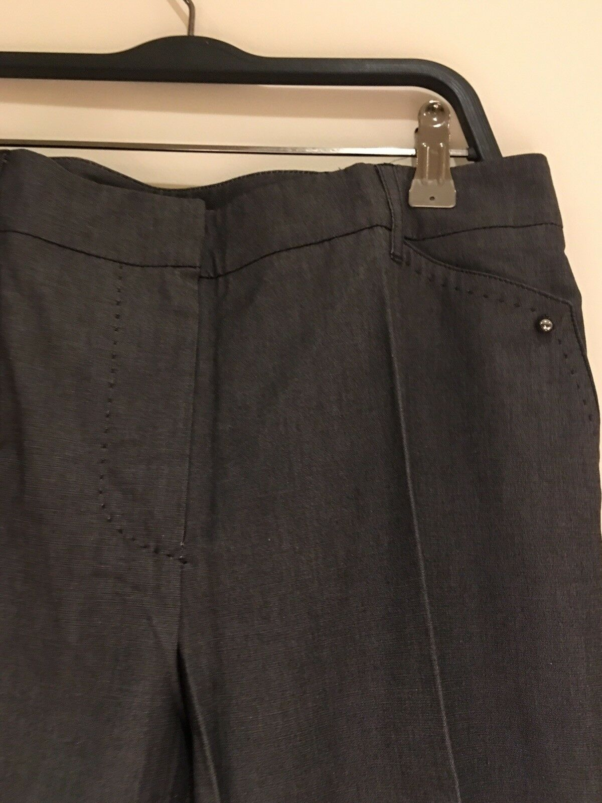 Women's MaxMara Dark Grey  trousers with Elastin. Brand New. UK Size 10.