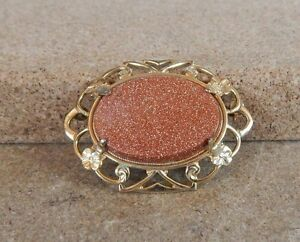Vintage-20th-century-Goldstone-Gold-plated-Brooch-oval-4cm-x-3cm