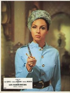 MICHELE-MERCIER-YOU-CAN-039-T-WIN-039-EM-ALL-1970-VINTAGE-LOBBY-CARD-2