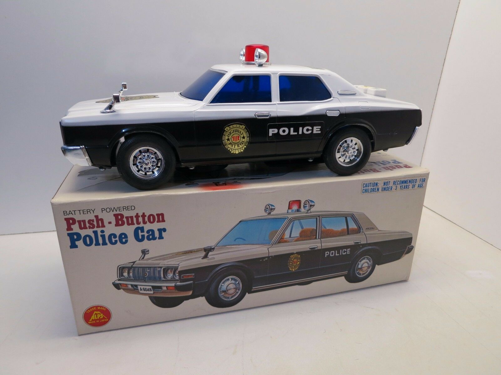 Vintage Alps Push Button Police Car Battery Japan Toy