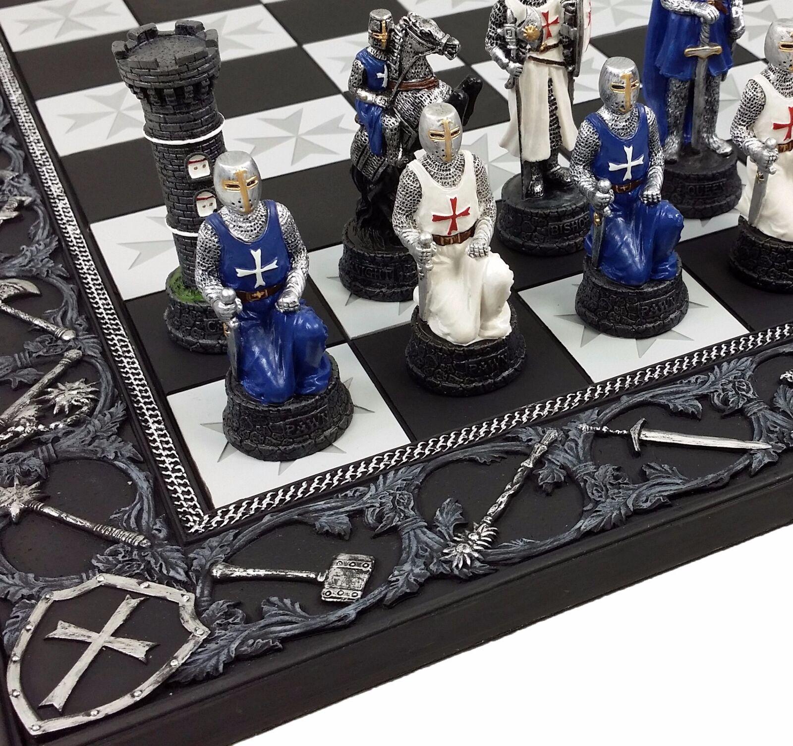 Los tiempos medievales cruzadas Azul Y blancoa Con Armadura Caballeros de Malta Juego De Ajedrez Tablero De 17