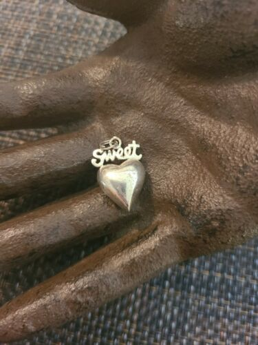 Details about  /VINTAGE JEZLAINE STERLING SILVER PUFFY HEART SWEETHEART PENDANT CHARM 925