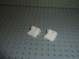 2-x-LEGO-White-slope-brick-47457-Set-10186-7646-4840-7666-7690-7993-7649-10198