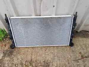 FORD FOCUS MK2 ST 225 COOLANT RADIATOR EXCELLENT CONDITION 2007