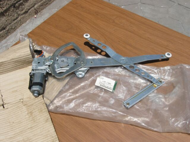 Mercedes Benz  C CL CLK E S SL OEM BOSCH Voltage Regulator 0021549206