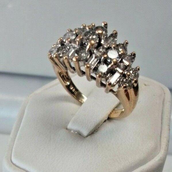 BEAUTIFUL   10K gold 2.0ct. DIAMOND BAGUETTE RND CLUSTER RING ESTATE SALE NICE