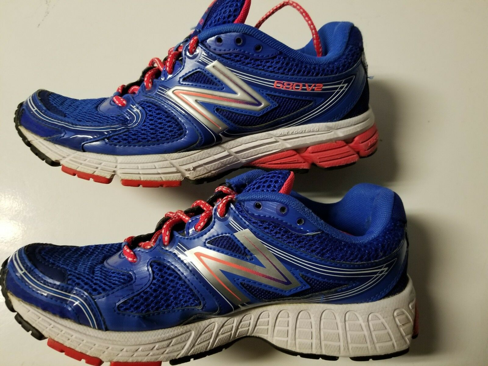 NEW BALANCE 680v2 WOMEN'S blueE TRAIL RUNNING SHOES sz 8,  W680BB2