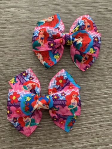 """le prix est pour 2 Handmade 2x 3/"""" Peter Rabbit hair bows ces sont sur des clips."""