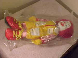 Vintage-McDonald-039-s-1984-Ronald-McDonald-Plush-Doll-with-Vinyl-Face-15-034-UNUSED