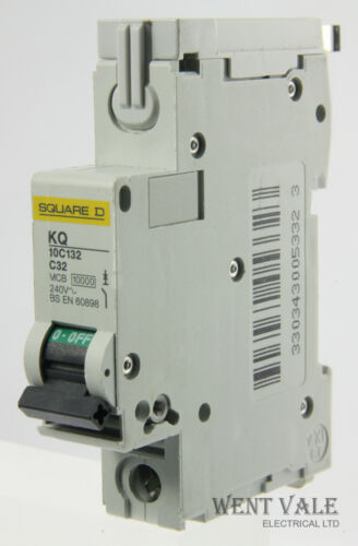 Square D loadcentre-kq10c132-32A type C single pole RCM utilisé